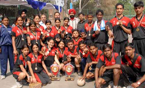 Boys and Girls Team members of Chandigarh ,who won the 1st position in 2nd junior National Dodgeball championship