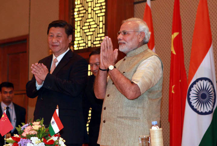 The Prime Minister, Shri Narendra Modi and the Chinese President, Mr. Xi Jinping witnessing signing of agreements, at Hyatt Hotel, Ahmedabad