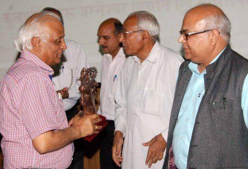 Prof.Kuthiala 1