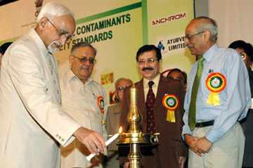 The Vice President, Shri Mohd. Hamid Ansari lighting the lamp to inaugurate a 'National Seminar on Non-Biological Contaminants in Food, Feed and Their Safety Standards', in New Delhi on September 23, 2008.