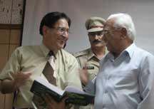 Dr. A.R. Kidwai, Governor Haryana with Prof. R.C.Sobti ,VC of Panjab University