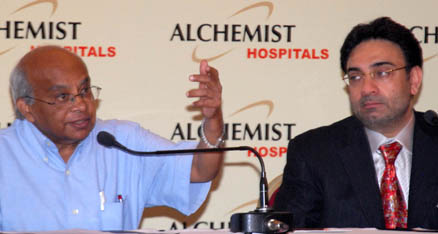 Former Director, All India Institute of Medical Sciences Dr.Dr. P. Venugopal, ,who joined as Chairman – Medical division, Alchemist group addressing a press conference along with Mr. K.D. Singh, Chairman, Alchemist Group, at Chandigarh