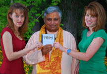 """Andrea (left) and Sara Forman (right), lead singers of Shanti Shanti rock band, presenting the first copy of their new album """"Veda"""" to acclaimed Hindu leader Rajan Zed (center) in Nevada (USA).  Picture by: Roger Bowen Weld"""